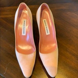 Manolo Blahnik peachy pink nude pumps